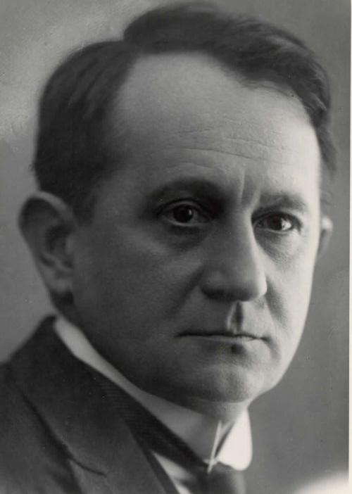 dr. Tomaž Sajovic: dr. Pavel Grošelj - »človek za vse čase«